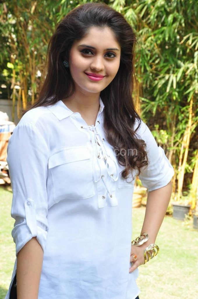 surabhi beautiful images - Tollypop